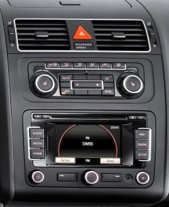 2011-VW-Touran-5