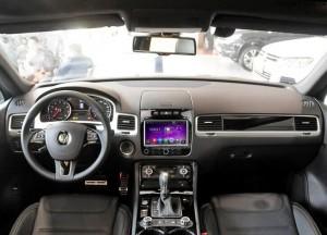 2011-2014 VW TOUAREG radio after installation