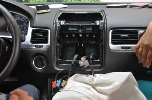 2011-2014 VW TOUAREG radio step 6