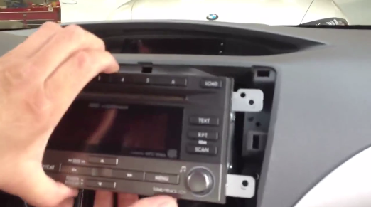 How to replace 2008 2009 2011 Subaru Forester Radio with