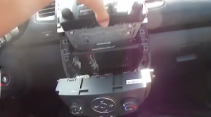 2012-2014 KIA SOUL Radio installation step 7