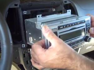 2008-2011 Hyundai Santa Fe Radio installation step 10