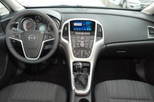 2011-2013 Opel Astra J Radio after installation