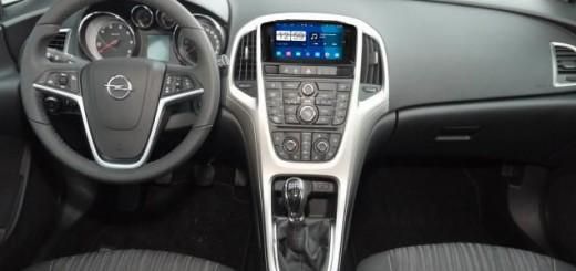 2011-2013 Opel Astra J Radio after installation