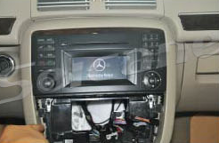 2005-2012 Mercedes Benz GL Class X164 radio installation step 4