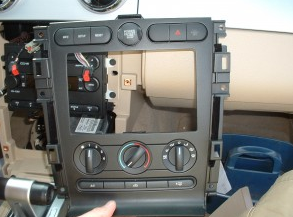 2007-2009 Mercury Mountaineer head unit installation step 7
