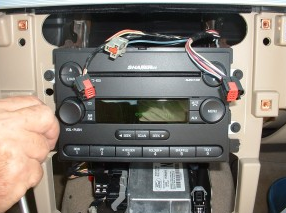 2007-2009 Mercury Mountaineer head unit installation step 8