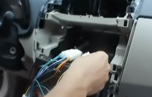 6. Socket docking with the original radio directly, instead of cutting the original plug off