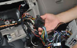 Remarks  a. Plug in the radio antenna.  b. Plug in the GPS antenna