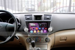2009-2015 Toyota Highlander Radio after installation