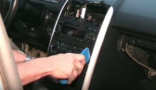 Service manual how to remove radio trim on a 2012 rolls for Mercedes benz car radio repair