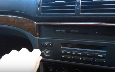 How to Upgrade a 1996-2003 BMW 5 Series E39 520i 523i 525i M5 Stereo
