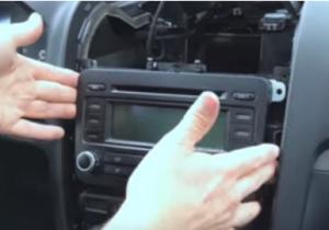 Take the original car radio out of the dash